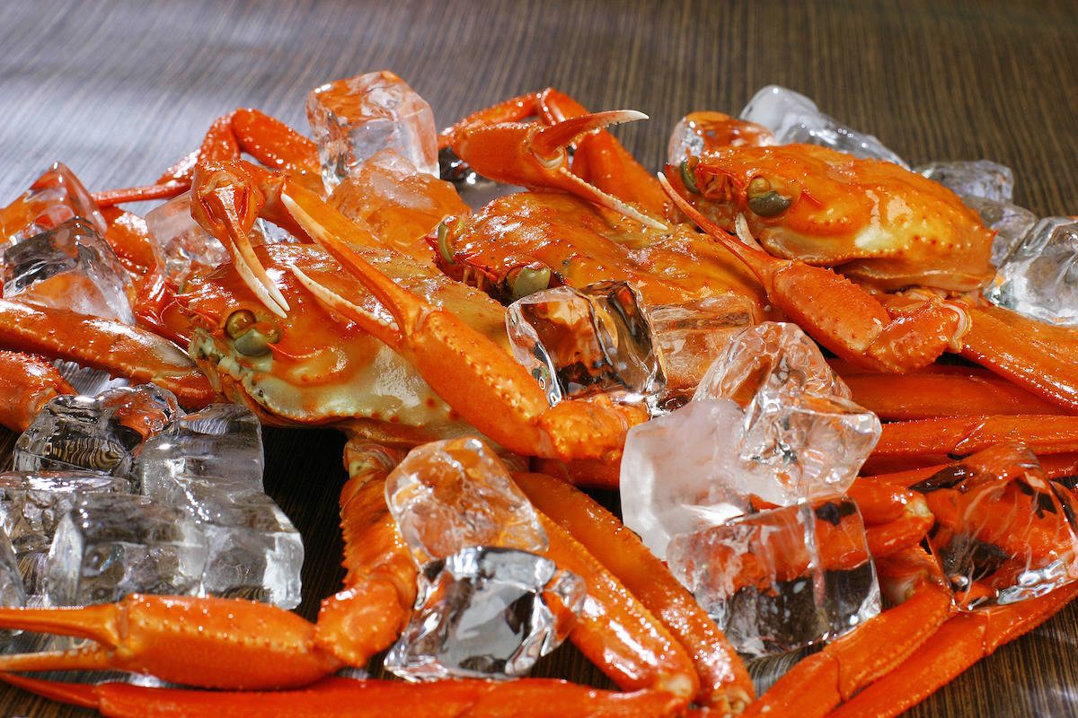 Canadian snow crab imports threatened over whale deaths
