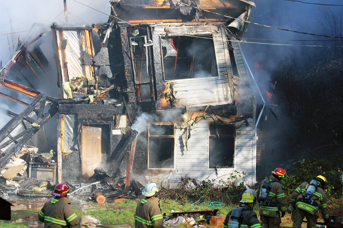 Massive Monday morning fire destroys Chemainus home