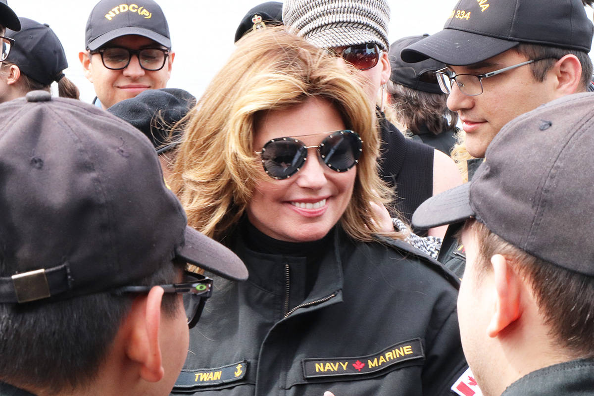Canadian country music icon Shania Twain paid a visit to CFB Esquimalt, Thursday April 19, thanking members of the Canadian Armed Forces for the service. Kristyn Anthony/VICTORIA NEWS