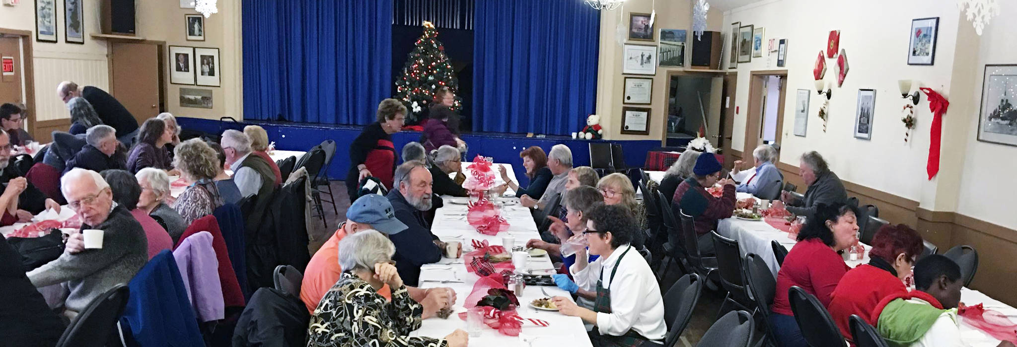 There's plenty of great food at the Fyffe Memorial Christmas Day dinner. Above, the dinner crowd at the Chemainus Legion. (Photos submitted)