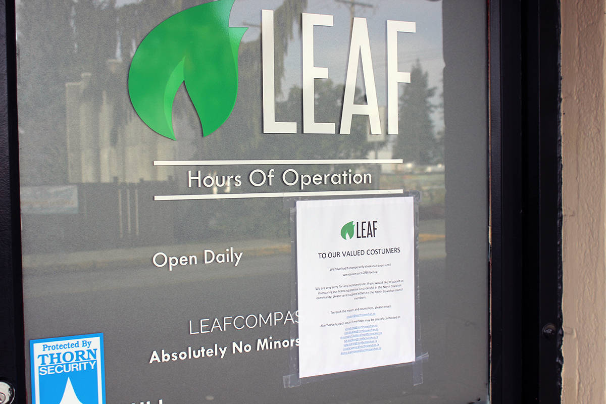 Sign on the door of Leaf Compassion informs customers (costumers, sic) that the business is closed until further notice. (Photo by Don Bodger)