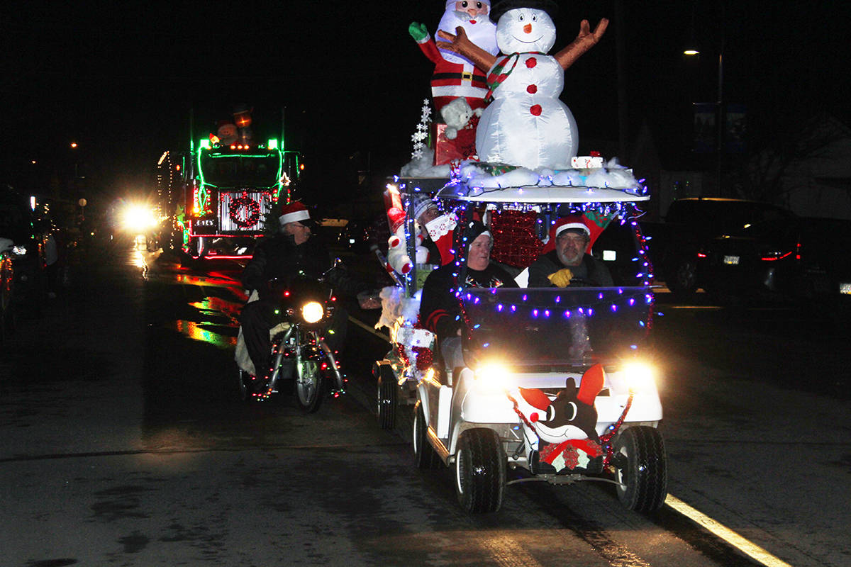Parade makes its way up Joan Avenue. (Photo by Don Bodger)