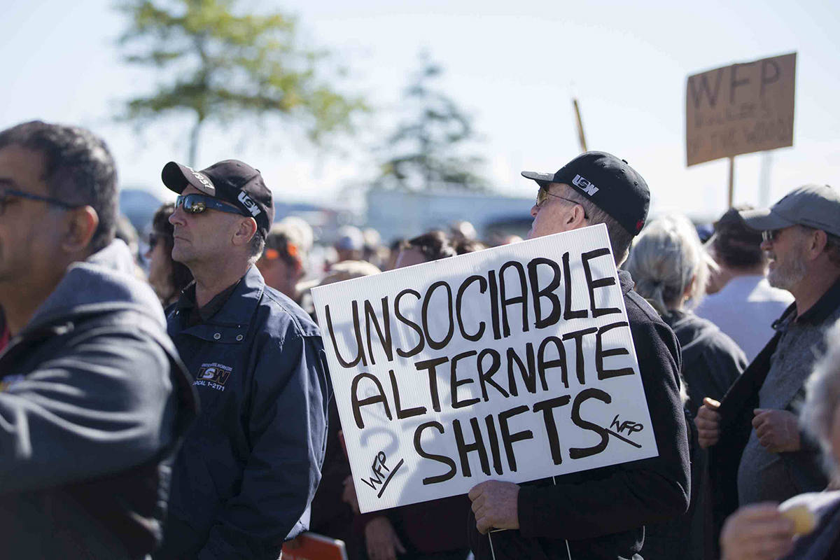 United Steelworkers Local 1-1937 held a rally at Western Forest Products' office in Campbell River on Sept. 26, 2019. The WFP employees have been on strike since July 1. Photo by Marissa Tiel/Campbell River Mirror