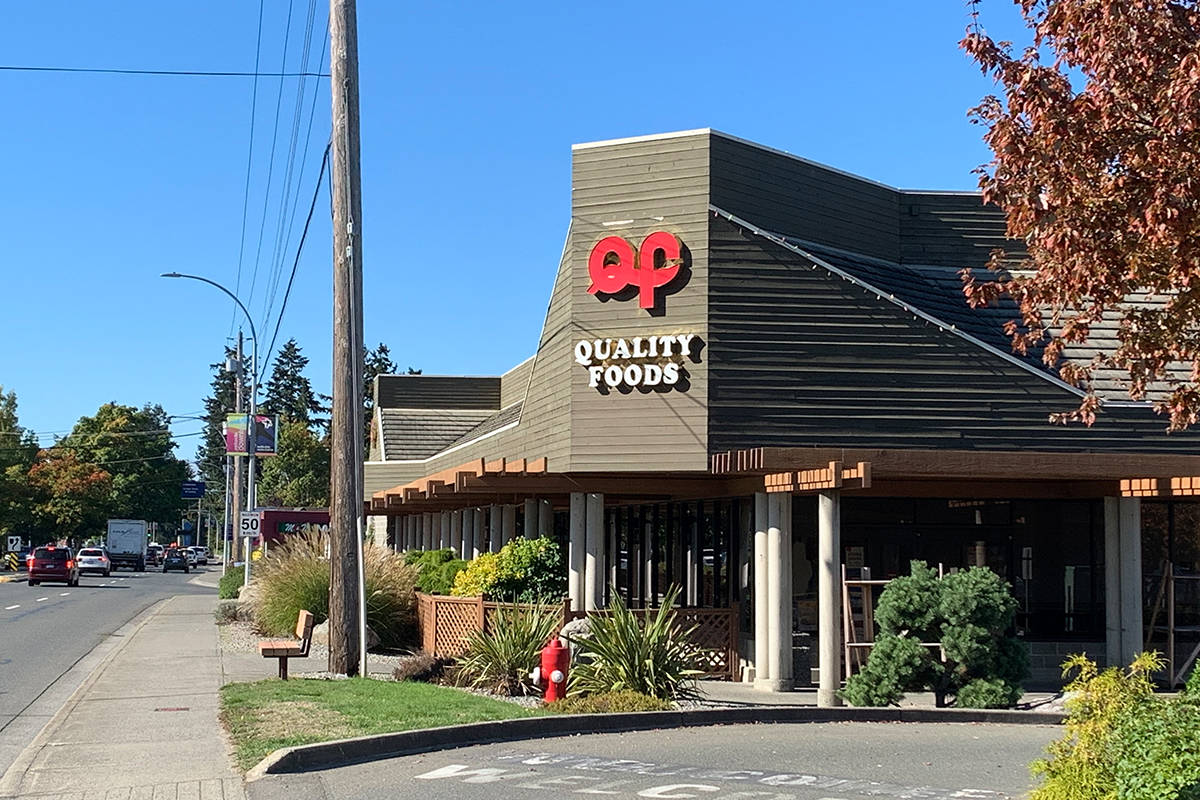 Shown is Quality Foods at 319 Island Highway in Parksville. The Island-based grocery chain announced on Jan. 25 it made a $2-per-hour pay premium, implemented during the COVID-19 pandemic, permanent. (Mandy Moraes photo)