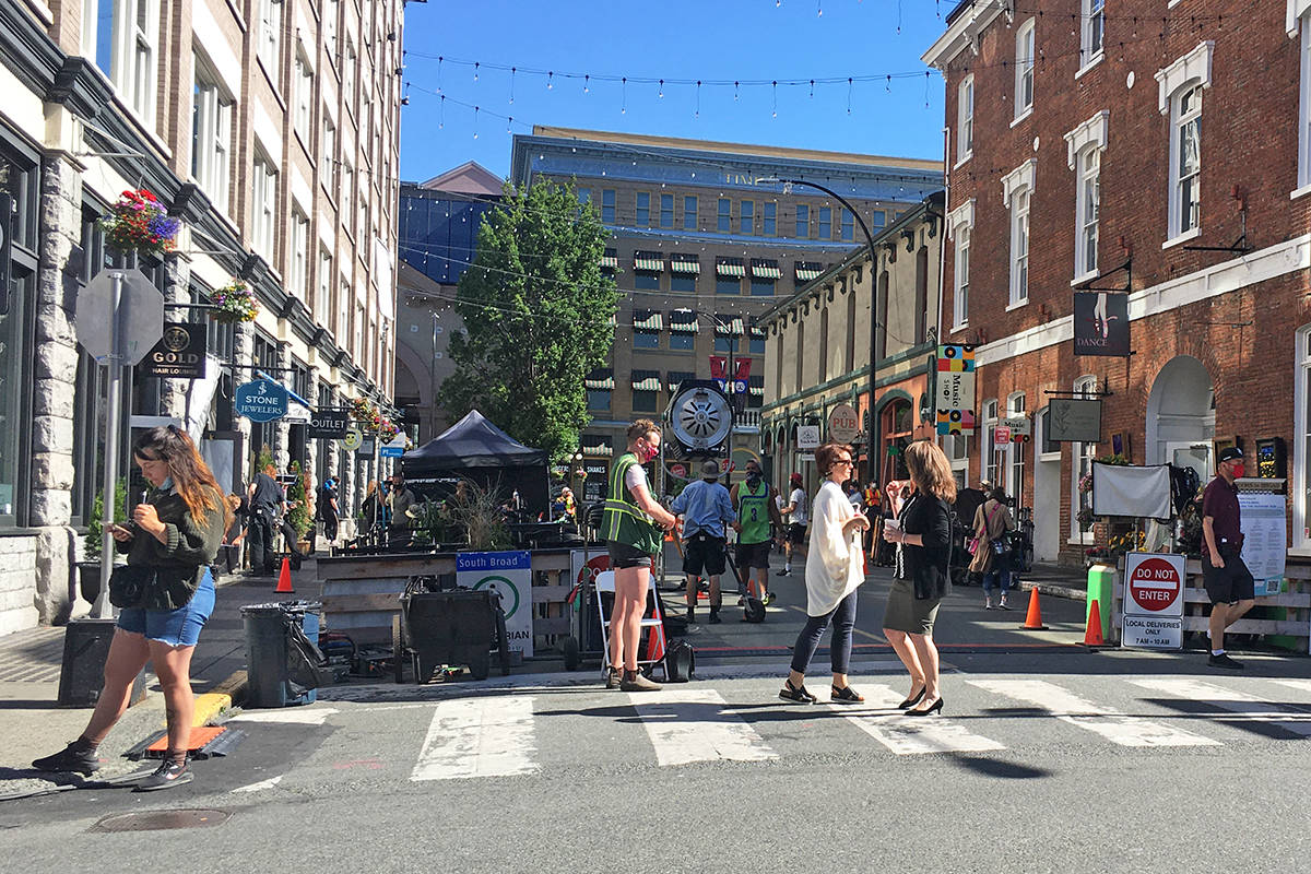 A film crew prepares for a shoot downtown on Broad Street recently in Victoria. (Don Descoteau/News Staff)