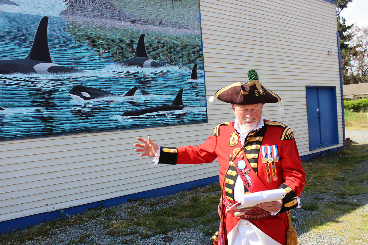 Ben Buss in Chemainus during a mural tour in 2018. (File photo by Don Bodger)