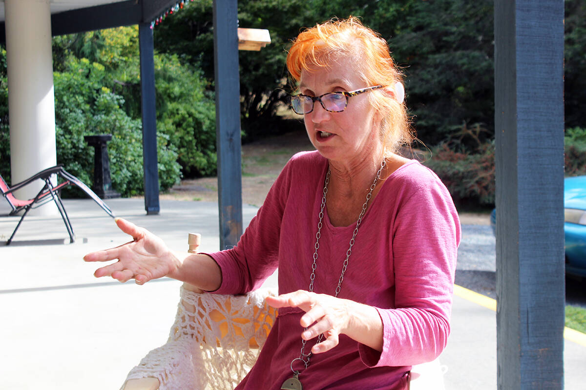 Barbara Allen of Chemainus talks about the incident that happened to her in 1990 and resulted in a traumatic brain injury. (Photo by Don Bodger)